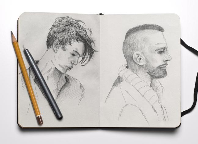 profils-crayonnes-cahier